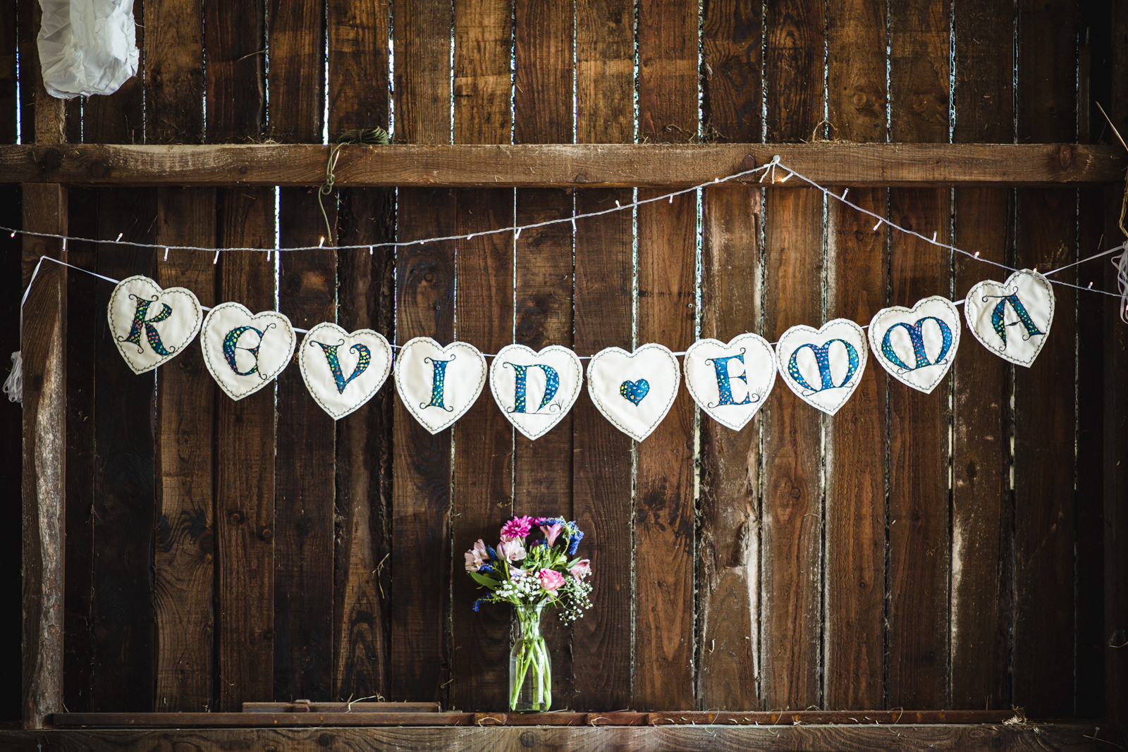 relaxed barn wedding